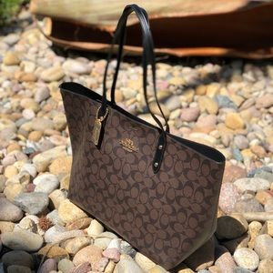 COACH Signature Town Tote Brown Black NWT